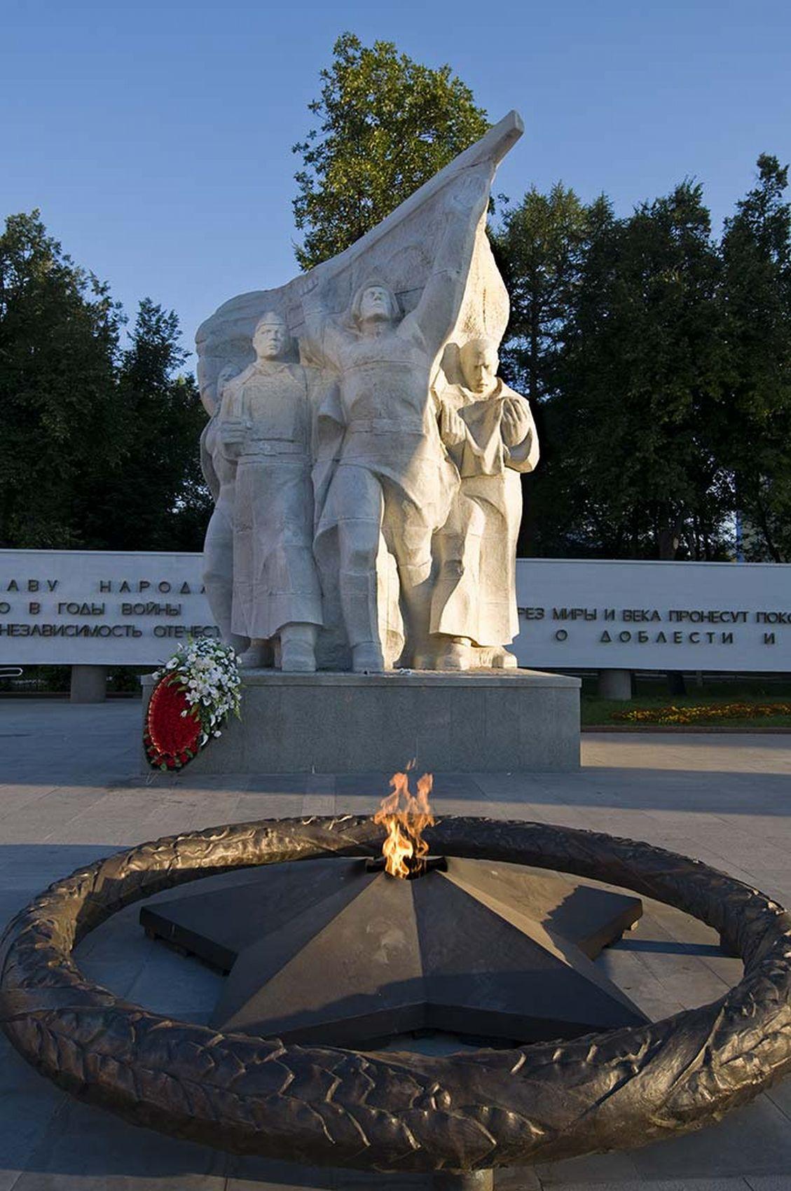 Памятники рязань фото 4 кв м памятники уфа цены с отделкой